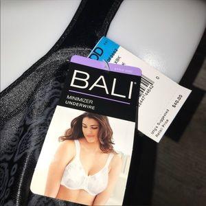 Intimates & Sleepwear - Bali underwire minimized 40DDD new